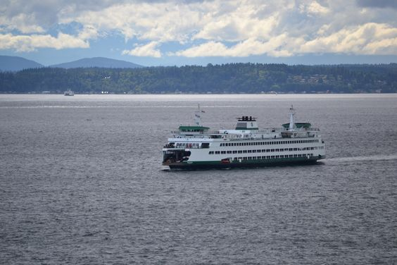 Ferry on the Sound. Photo by Jamie Flaxman