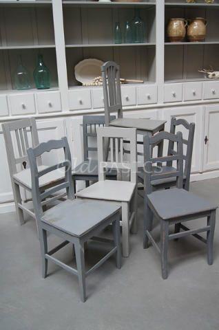 Stoel 40004 - Oude houten stoel in verschillende tinten grijs. Elke stoelis uniek.Het assortiment varieert elke keer, kijk daaromin onze loods voor het huidige aanbod!