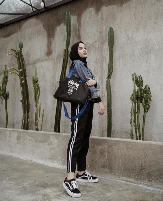 Hijab Sporty Looks Ideas You Need To Follow Hijab Style Com Gaya Hijab Kasual Gaya Sporty Casual Hijab Outfit