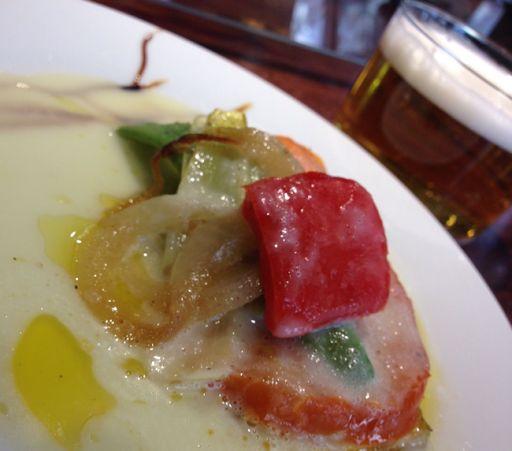 XVII semana del pincho de Navarra.  Navarra-light, presentado por restaurante casa Luís.  http://www.elperolas.com/2015/04/restaurante-casa-luis-xvii-semana-del.html