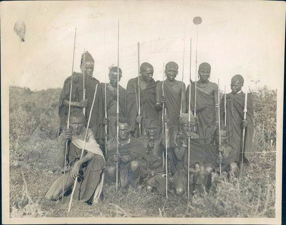 1924 African Native Hunting Party Country Men Spear Grassy Area  Press Photo