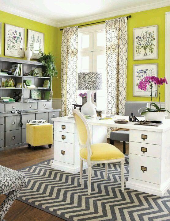 o que valorizou esse ambiente foi a cor das paredes....se fosse branco pouco seria notado