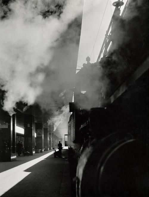 Herbert List    Termini station, Rome, Italy, 1950    From Magnum Photos