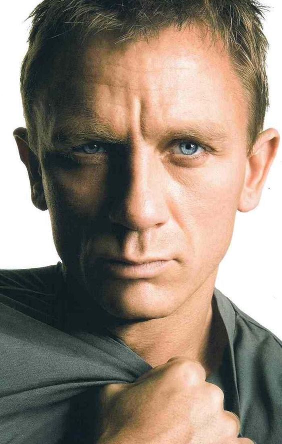 Daniel Craig. James Bond. <3