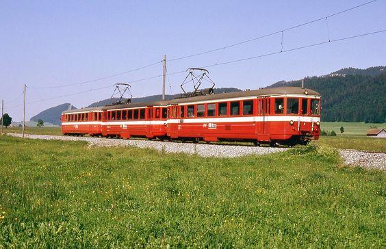 Trains des Montagnes Neuchâteloises (Suisse)