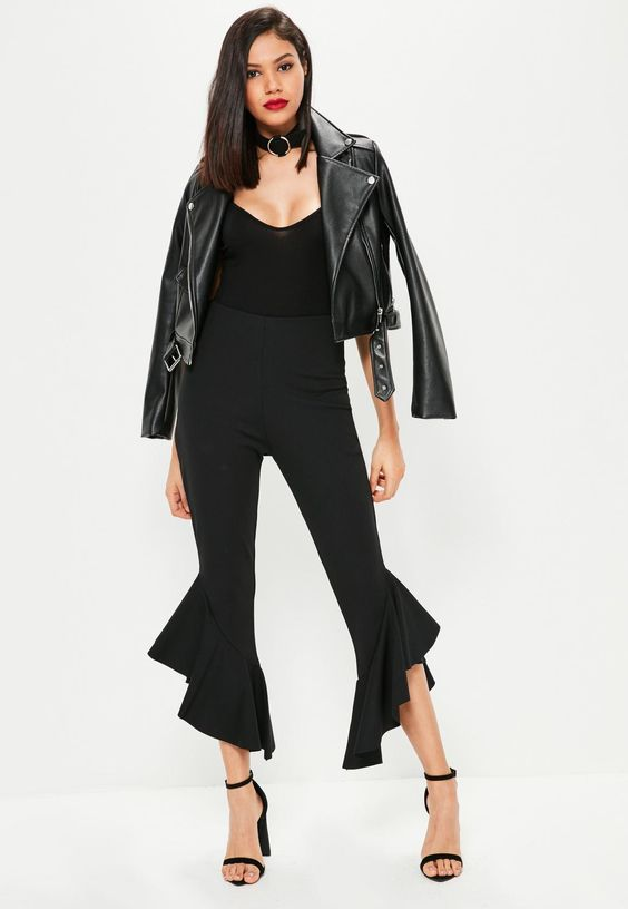 Missguided - Tall Exclusive Black Frill Hem Cropped Trousers