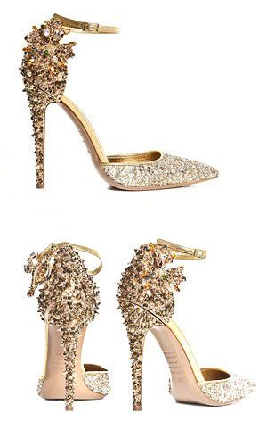 Indeed >>> SHOE LUST! We want these gold DSqaured2 heels