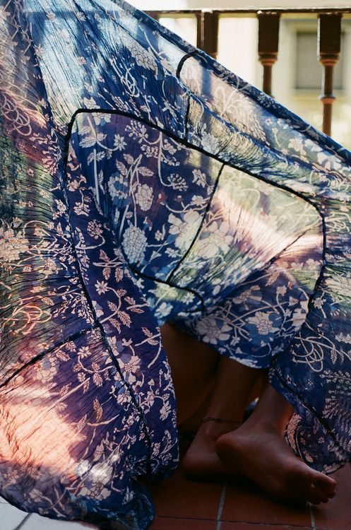 love the patterns and hue of this delicate fabric goddess of babylon - Daydreaming island hues to wile away autumn blues...