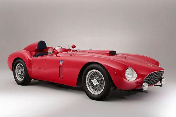 Platz 6: Ferrari 375 Plus Spider Competizione von 1954. Versteigert am 27. Juni 2014 Höchstgebot: 18.400.177 Dollar. Anzahl gebauter Fahrzeuge dieser Art: 6.