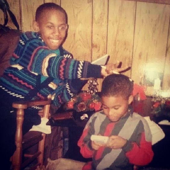 #tbt #BigReV with my big cuz Jervonnti playing the young #gameboy. That thing looked like a handheld toaster oven lol. #whenlifemadesense #whenlifewassimple #backinthedays