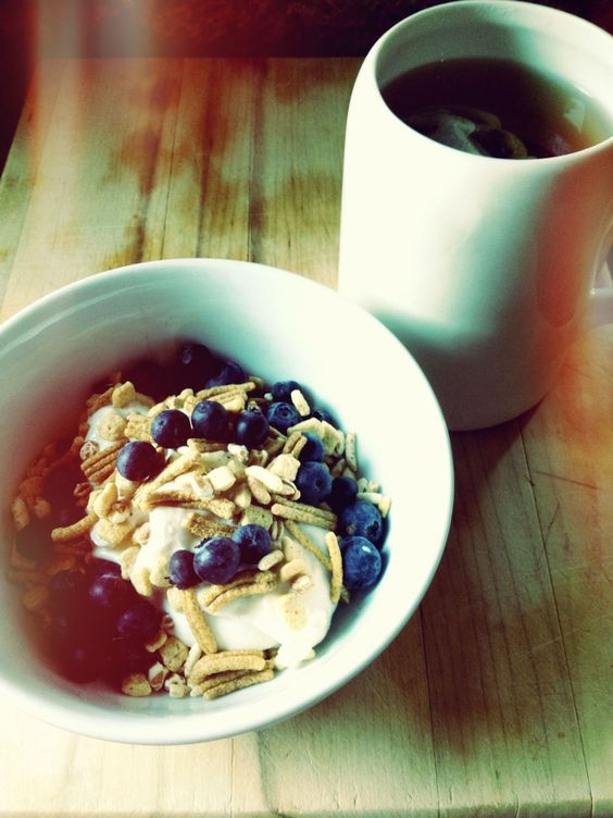Apple Cinnamon Chobani + Bloobs + Kashi Cereal