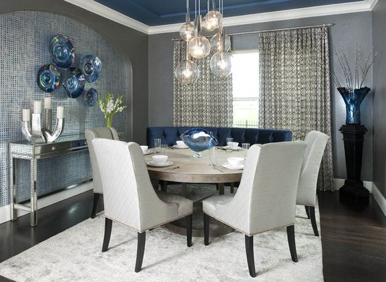 Traditional round dining tables set for limited dining for Navy dining room ideas