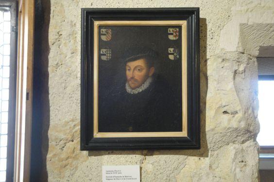 Ce tableau a été peint par l'anonyme de France  au début du XVII siècle.C'est un portrait d'un seigneur nommé Eustache de Refuge .Il est représenté  comme un homme de pouvoir avec une image imposante de lui et le regard très froid . Les couleurs de ce tableau sont plutôt sombres.La composition est sous forme de pyramide et le portrait est centré sur le personnage.Mon ressenti sur ce portrait est qu'il est antipathique, profond ,mystérieux , autoritaire,  imposant .