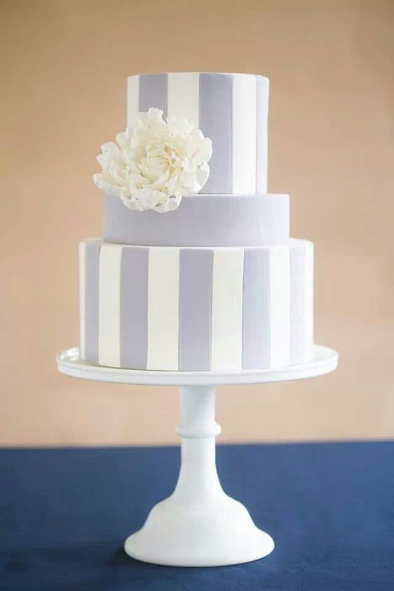Love love love!!! Someone please order this cake from me!!!! ;)