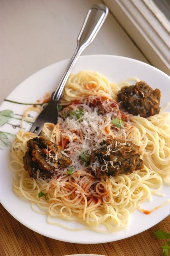 Spaghetti and lentil mushroom meatballs | In the name of Pasta ...