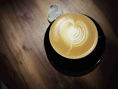 湯大帥非型日誌: 靜謐寧靜的咖啡館「Stone Espressobar」