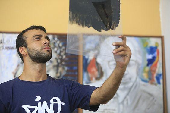 Daniel Samico, artista plástico, também integrou o time que promoveu as oficinas. Foto: Rafael Martins/Especial para o DP/DA Press