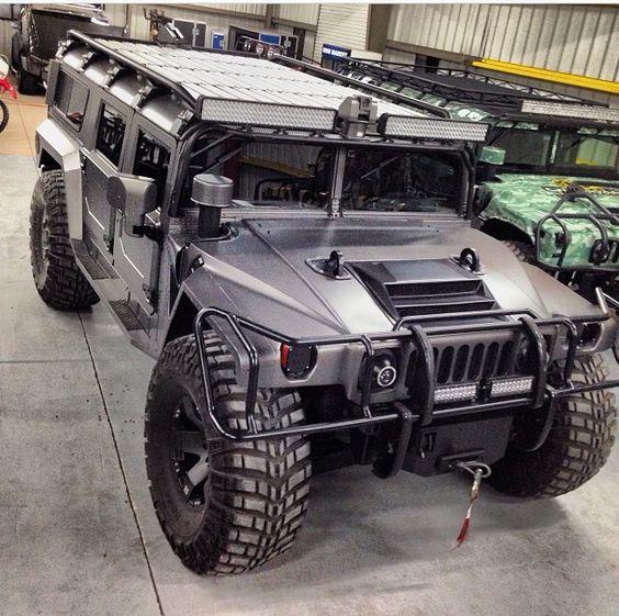 H1. The best utility vehicle ever built! I want one soooo bad
