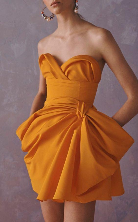 mini robe jaune bustier coeur