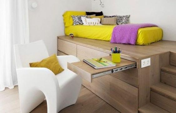Pensez aux meubles modulables pour conserver un maximum de place. © Pinterest
