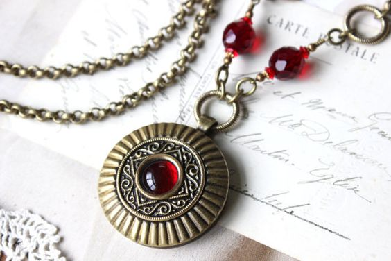 Jewel Red Necklace Red Glass Pendant Necklace Long by veryDonna