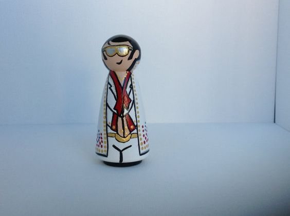 Elvis in shades Whittle by WinkysWhittles on Etsy, $18.00
