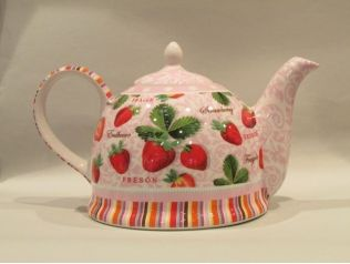 Love strawberries and love tea.  What a great combination!