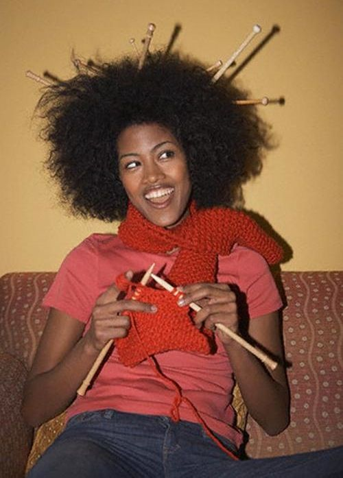 girl knitting, Where to keep my needles>>>