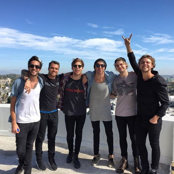 Love these dudes- all time low and 5sos