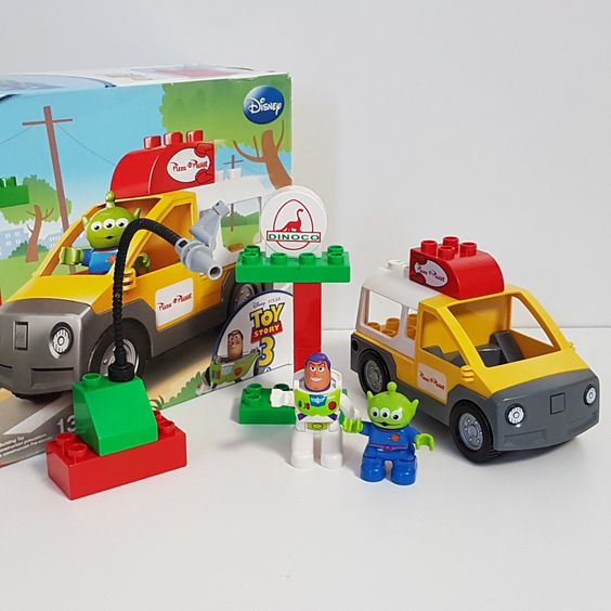 Lego Duplo Toy Story 3 Set 5658 Pizza Planet Truck Complete 13 Pieces Alien Buzz Ebay Retired Disney Gifts Lego Gifts Disney Gift
