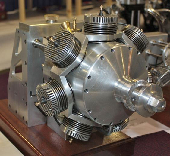 Pascoe 70cc - Tom Pascoe is generally recognized as one of the leading designers of original model I/C engines today. Latest displayed in 2014 is this 70cc sleeve valve, seven cylinder engine to Tom's own design, not based on any particular prototype.