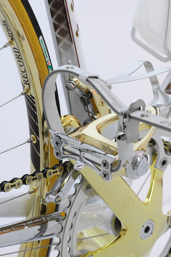 Colnago C60 with 24 karat gold plated Campagnolo Srl C-Record | Cyclr Visit us @ https://www.wocycling.com/ for the best online cycling store.