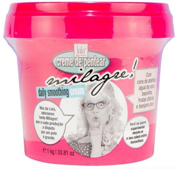 Creme de Pentear Milagre da Lola Cosmetics contém propriedades hidratantes. Deixa os cabelos fáceis de desembaraçar, hidratado e com brilho intenso.