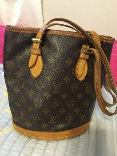 Authentic Louis Vuitton Monogram Petit Bucket Bag https://t.co/T55kuPkwE9 https://t.co/49RjafIflJ