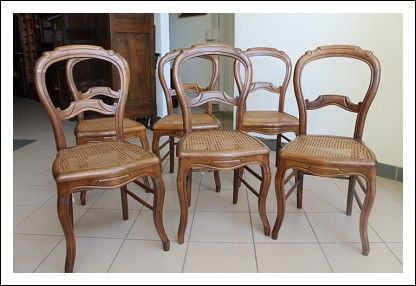 Gruppo di sei sedie in noce massello ,con seduta in paglia di Vienna, Francesi risalenti a fine 800. In ottimo stato pronte da inserire in ambiente, restaurate! Linea semplice, raccordi sotto la seduta che le rendono robuste e solide anche per un uso quot