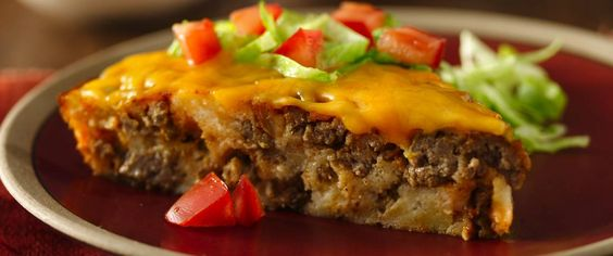 Enjoy this impossibly easy taco pie recipe made using taco seasoning mix and chopped green chiles that are ready in just 50 minutes – perfect for a dinner.: