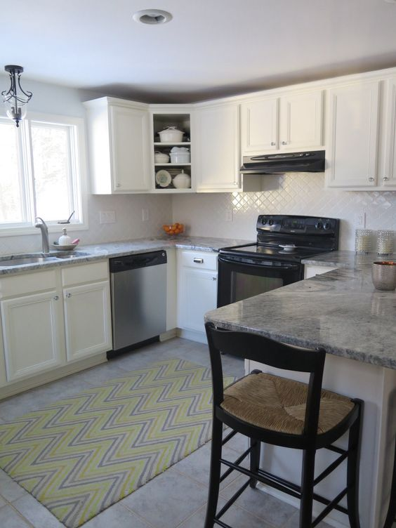 Kitchen redo. Painted cabinets Benjamin Moore White Dove, Home ...