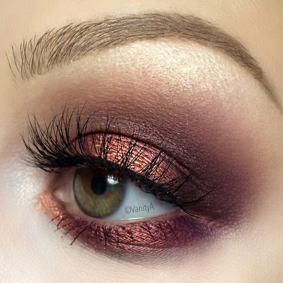 Copper and rose gold blended in a plum for a metallic makeup success!