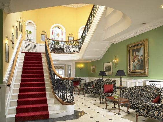 Dromhall Hotel Killarney - Lobby Just spend your time with your friends in this beautiful lobby after a nice day in the Killarney National Park.