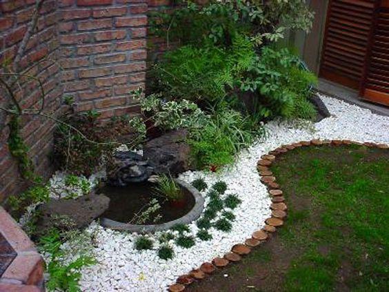 Granito y rodajas de madera jard n cuidados pinterest for Carretillas de madera para jardin
