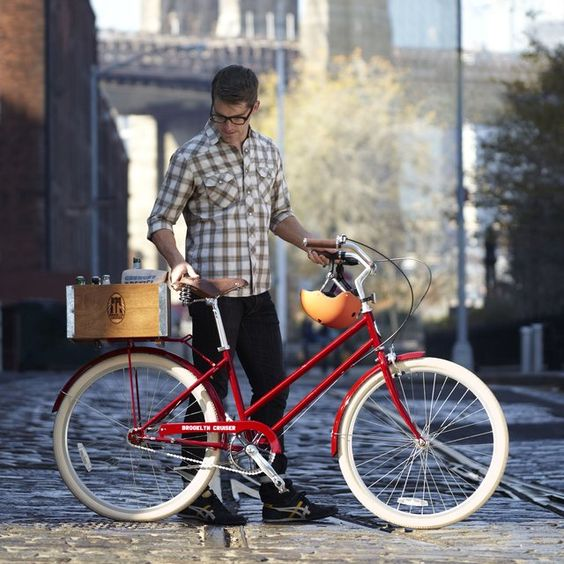 MOMA x Brooklyn Cruiser Bicycle. The red color option in the Willow 3-speed is exclusive to the Museum of Modern Art.