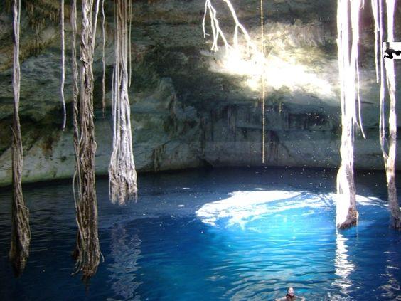 Cenote Noh Mozón, Yucatán, México