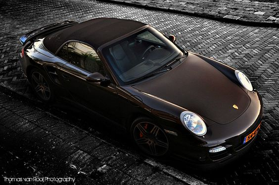Chocolate 911 cabriolet