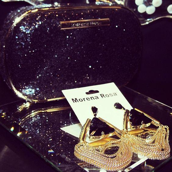 É muito amor pelos acessórios #morenarosa! #earrings #black #morenarosa #lojaelfos