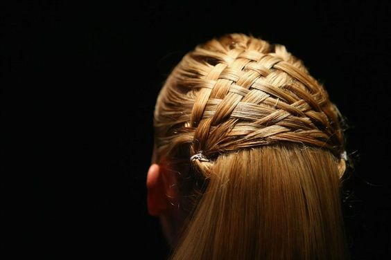 Weaving patterned #hair at Serpent and The Swan SS13  #hairstyles