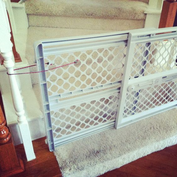 Baby Gate Stairway Hack Genius Use Bungee Cords To Make Any Gate Work As A Stair Gate Baby Gates Baby Proofing New Baby Products