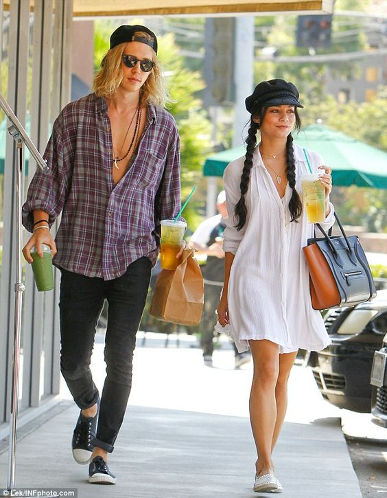 How long vanessa hudgens and austin butler been dating
