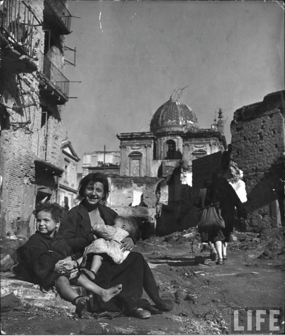Italy. Life in Naples,1944, by George Rodger