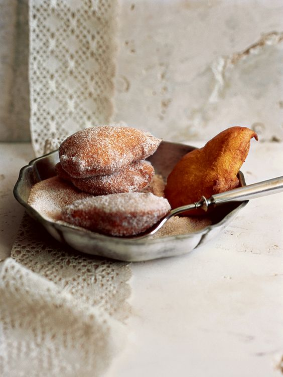 pear fritters (https://www.donnahay.com.au/recipes/pear-fritters)