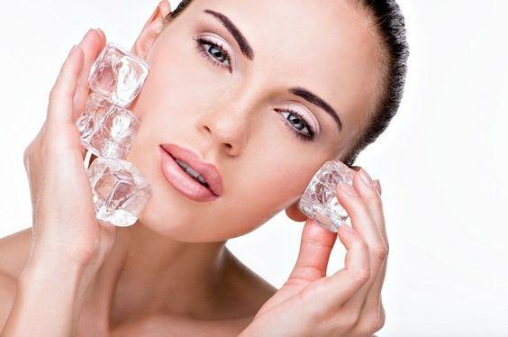 Gelo pode controlar a oleosidade da pele e fixar melhor a maquiagem - http://www.comosefaz.eu/gelo-pode-controlar-a-oleosidade-da-pele-e-fixar-melhor-a-maquiagem/